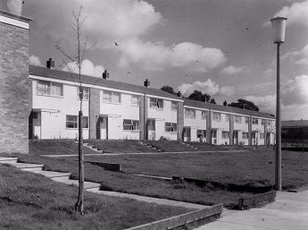 Newly built houses in Sishes End, Pin Green